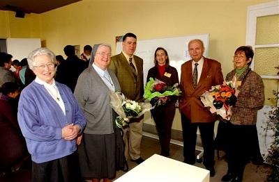 Sœur Agnès, Sœur Jacques-Marie, Tanguy Auspert, le Gouverneur A. Dalem et Daniel Spinato-Poels. Lors de notre 10ième anniversaire en 2006